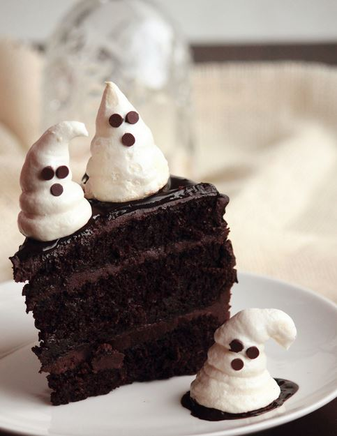 Cake Decorating Melted Chocolate : Cool Halloween cake decoration ideas with dark chocolate ...