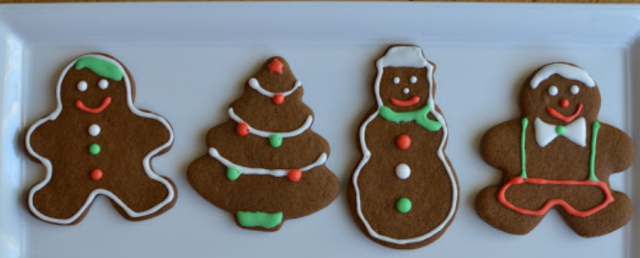 Christmas cookies with gingerbread man cookies.PNG