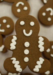 Photo ginger bread mam in dark brown.PNG