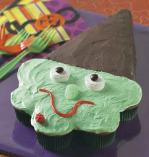 Easy homemade halloween cupcakes pictures of witch 39 s hat for Easy halloween cakes to make at home
