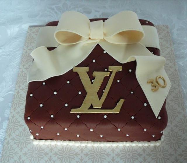 LV Birthday Cake With White Chocolate BowJPG