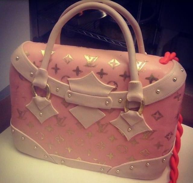 Pink Louis Vuitton purse cake image.JPG