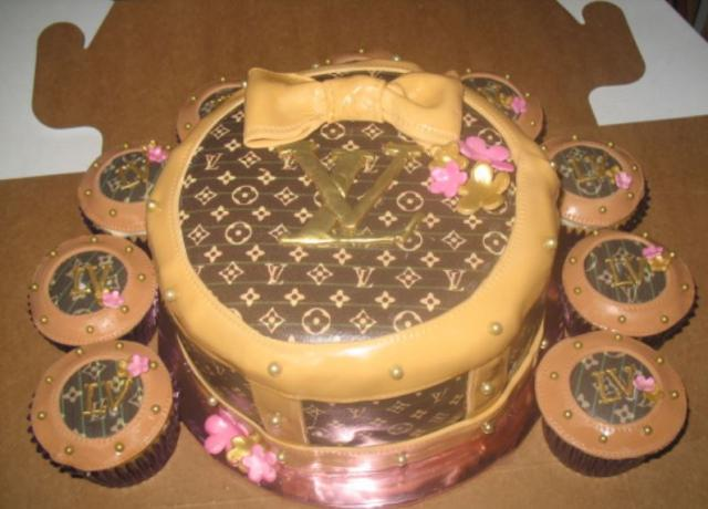 Louis Vuitton Baby Shower Cake.JPG