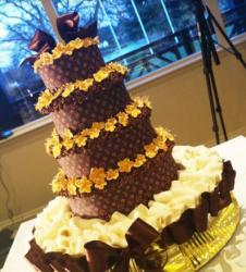 LV wedding cake with gold flowers pictures.JPG