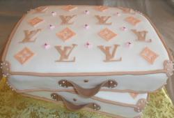 White suiteses louis vuitton cakes pictures.JPG