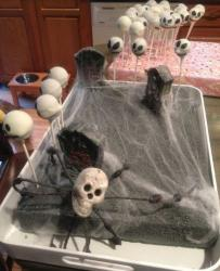 Shulls halloween cake photo.JPG