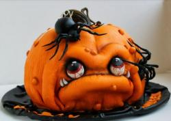 Scary pumpkin halloween cake with large spiders cake decor.JPG