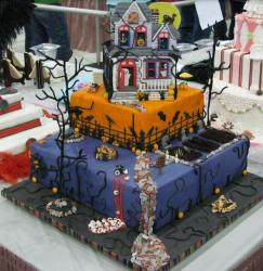 Halloween cake decor with details.JPG