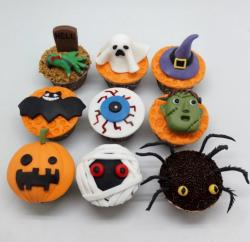 9 Cool Halloween Cupcakes Including Ghost Tombstone Frankenstein & Spider.JPG