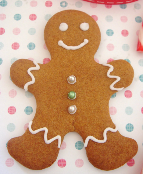 Happy gingerbread men with frosting.PNG