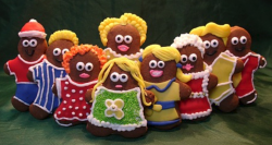 Gingerbread cookies full decorated.PNG