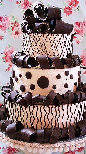 2015 Modern Chocolate Wedding Cake With Chocoate Streamers Cake
