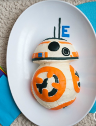 Small BB8 Cake pictures.PNG