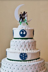 Star Wars Wedding cakes ideas with cake toppers.PNG