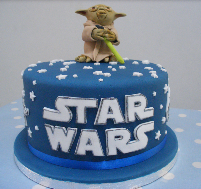 Blue Star Wars Cake With Yoda Holder A Lightsaber Png