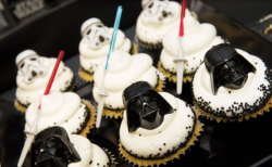 Darth Vader cupcakes with lightsaber.PNG