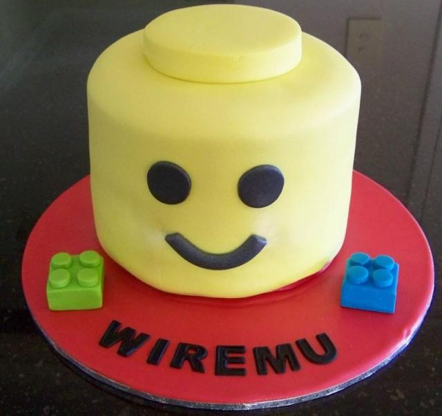 Lego figure face kids cake picture.JPG