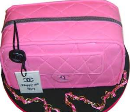 Hot pink CHanel purse cake with necklace
