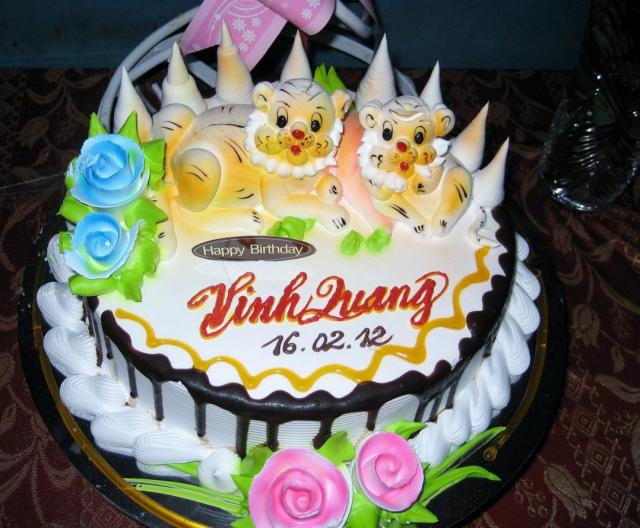 Cake Image With Name Lucky : Twin Lucky Asian Lion White Cream Birthday Cake.JPG Hi-Res ...