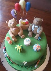 Teddy bears and balloons green birthday cake.JPG