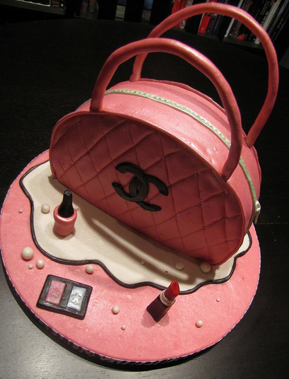 Pretty Chanel handbag and make up cakes.PNG
