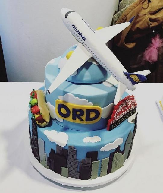 Cool Airplane Topper For 3 Tier Cake With Icelandair