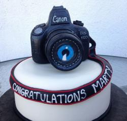 Photographer graduation cake with large camera cake topper.JPG