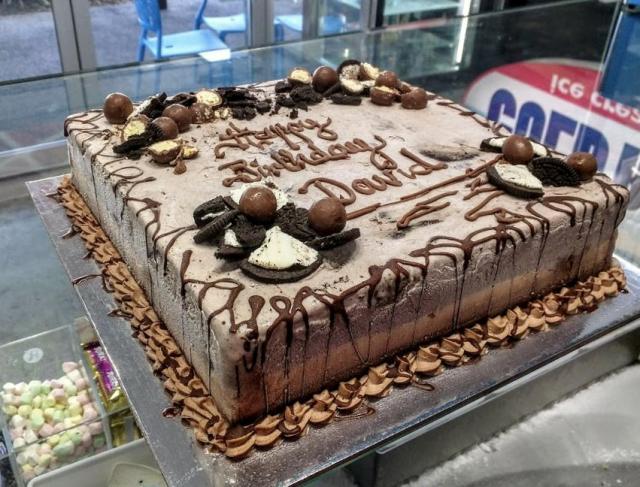 Square Ice Cream Chocolate Cake with Oreo Cookies & Choco ...