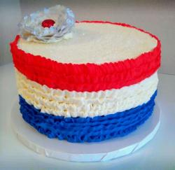 Chic looking 4th of July cake with USA flag colors theme.JPG
