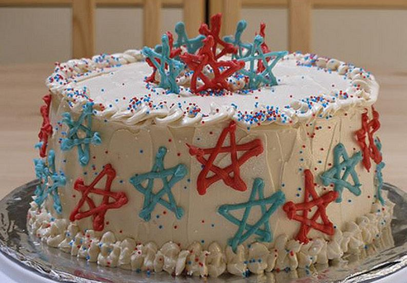 4th of July cake decorated with blue and red stars.JPG