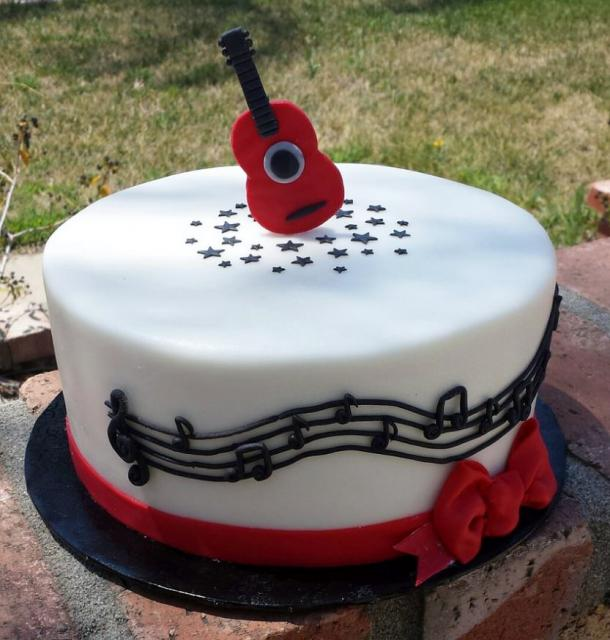Music Theme Cake With Guitar Topper & Musical Notes.JPG Hi