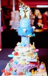 Aquatic Theme Wedding Cake with Seahorse Bride Groom Toppers.JPG