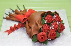 Red Rose Bouquet Cake.JPG