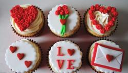 Valentine's Day Cup Cakes.JPG