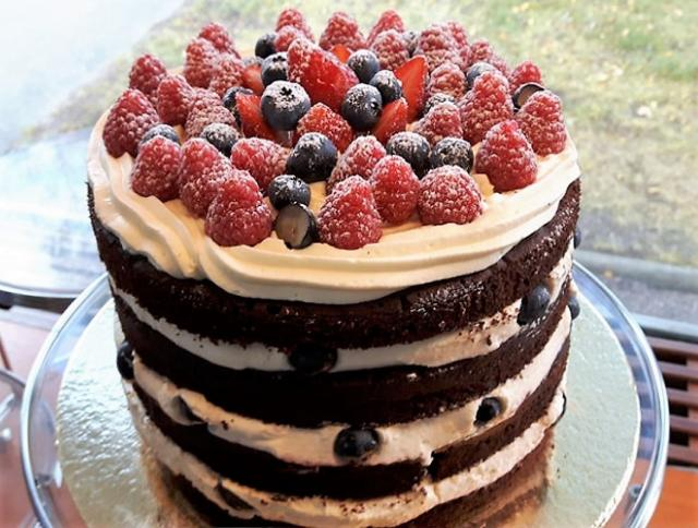 Berries & Figs Chocolate Cream Cake.JPG