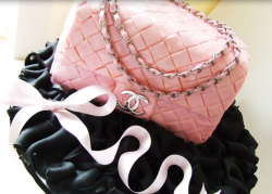 Light pink Chanel cake purse