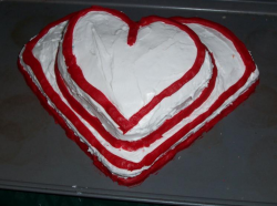 White heart shape valentitne with red lines.PNG