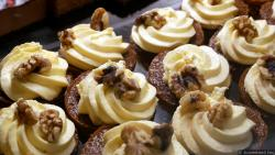 Walnut Chocolate Cupcake