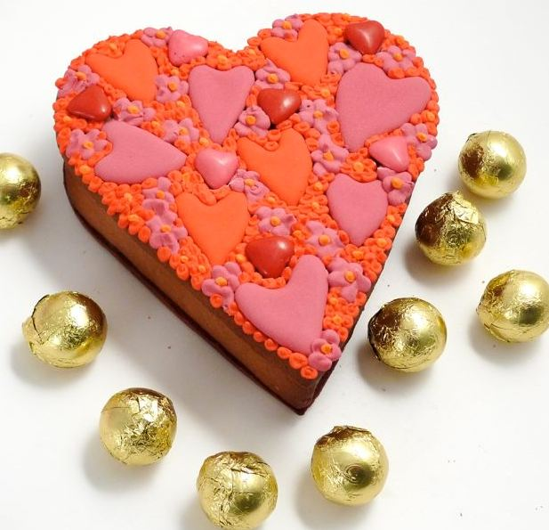 Pic of Heart shaped chocolate cake