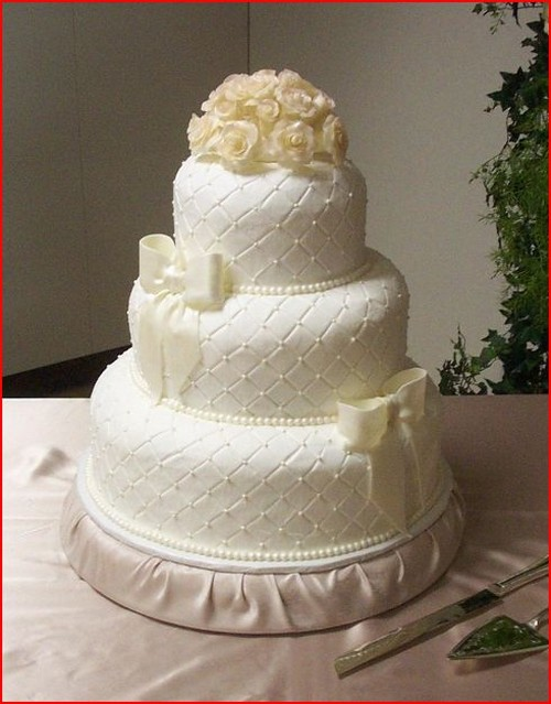 Image Of Sophisticated Wedding Cake W Quilted Design