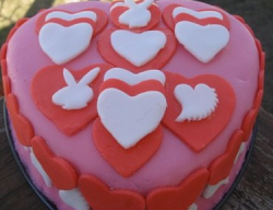 Peanut butter fondant bright color valentine cake.PNG