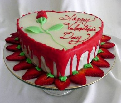 Picture of love cake decor for valentines day in heart ...