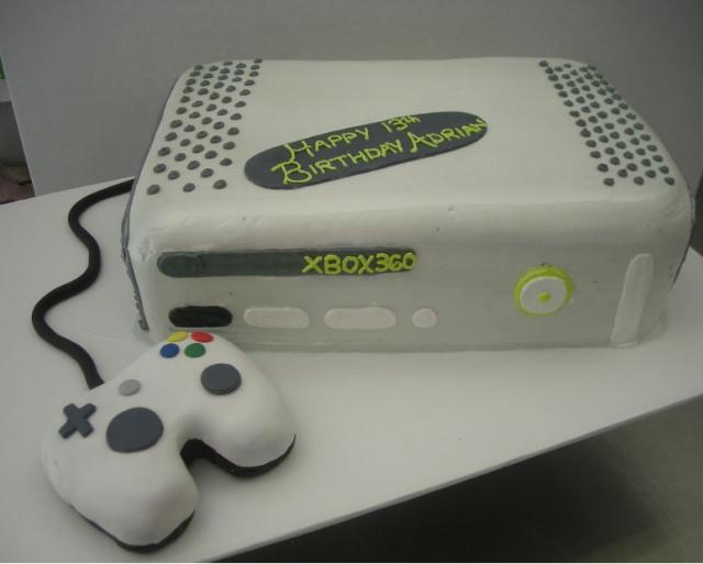 Xbox 360 Birthday Cake With Controller
