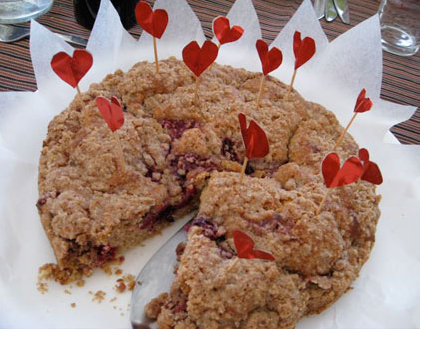 Valentine cake cookie with cute small hearts decor.PNG