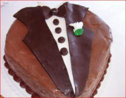 Groom's cake with Tuxedo decor.jpg