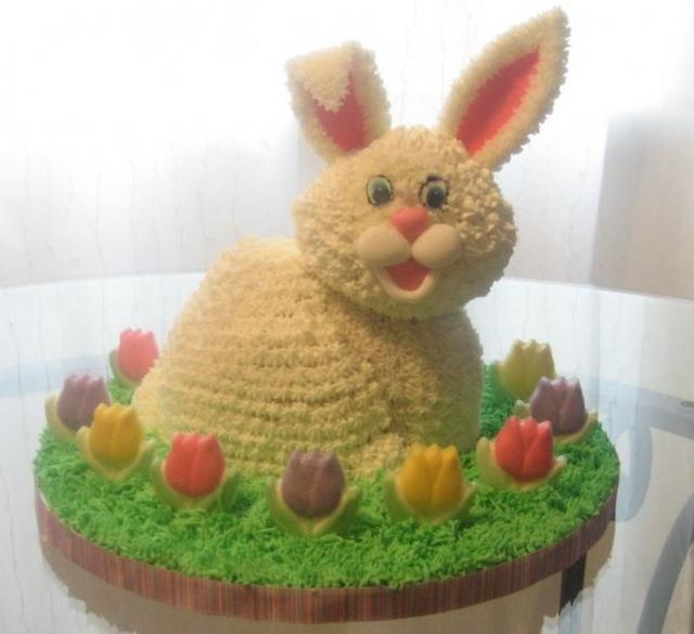 Bunny rabbit Easter cake with flowers and grass.JPG (10 ...