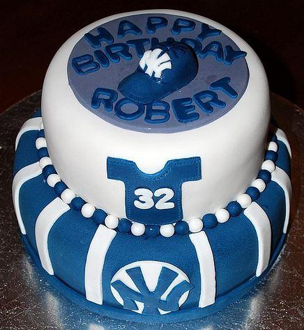 Terrific New York Yankees Theme Birthday Cake In 2 Tiers Jpg Funny Birthday Cards Online Benoljebrpdamsfinfo