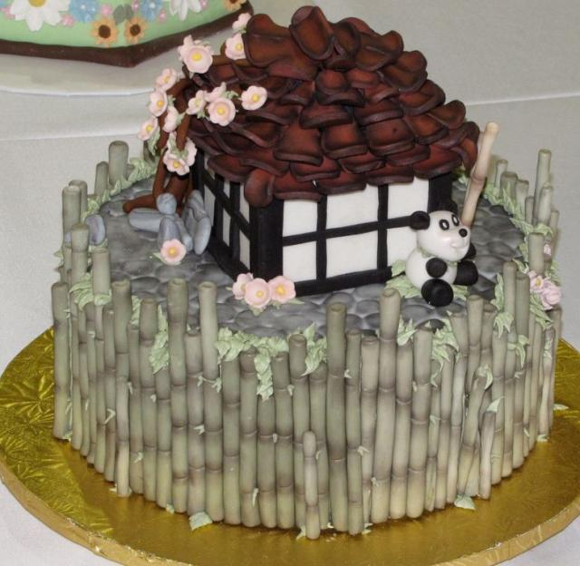 Cake with bamboos and house with Panda.JPG