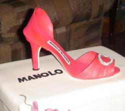 Pink shoe and box cake.JPG
