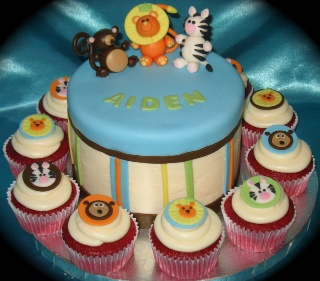 Picture of Jungle theme baby shower cake + cupcakes